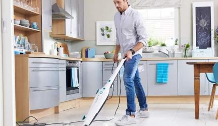 Leifheit CleanTenso: Dampfwischer reinigt sogar Teppich gründlich